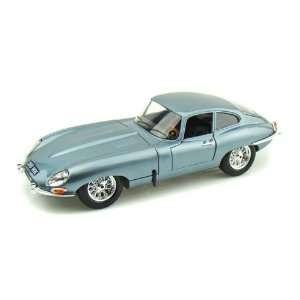 1961 Jaguar E Type Coupe 1/18 RED Toys & Games