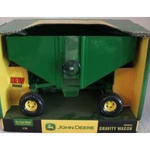 John Deere Gravity Box Wagon 116 Scale Farm Toy