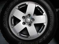 Jeep Wrangler Factory 18 Wheels Tires OEM Rims 9076 255/70/16