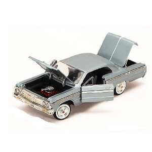 Showcasts   Chevy Impala Hard Top (1964, 124) (color may
